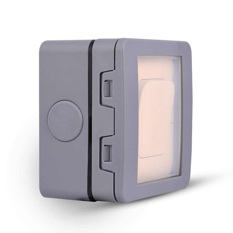 Weatherproof-5-Gang-Switch-enclosure,-Flush-mounted